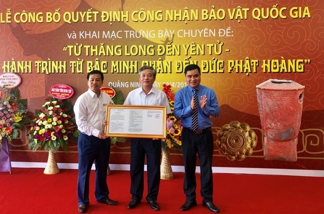 Quảng Ninh công bố quyết định công nhận hai bảo vật quốc gia