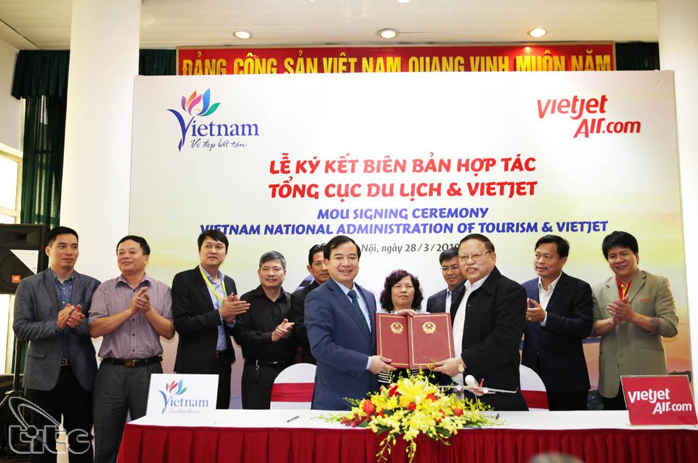Tổng cục Du lịch và Vietjet Air hợp tác quảng bá du lịch