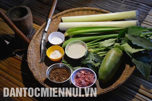 Canh bột lá yao - món ăn truyền thống của người Ê-đê