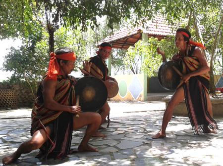 Quảng Ngãi: Giữ gìn, bảo tồn và phát huy bản sắc văn hóa dân tộc Cor