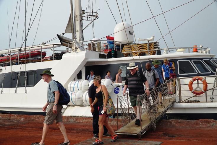 Quảng Bình đón đoàn khách quốc tế đến bằng tàu biển