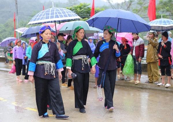 Độc đáo trang phục truyền thống các dân tộc thiểu số Cao Bằng