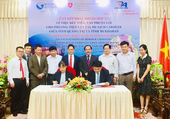 Ký kết thỏa thuận hợp tác xúc tiến, tạo thuận lợi cho phương tiện vận tải, du lịch caravan Quảng Trị - Mukdahan