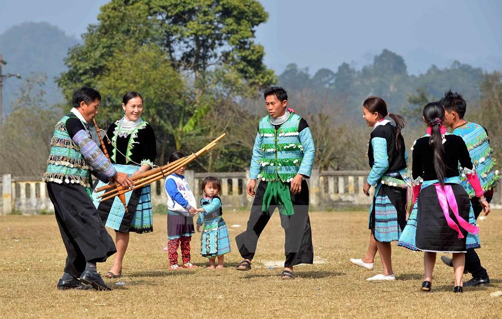 Sắc màu văn hóa dân tộc Mông tại phố đi bộ hồ Hoàn Kiếm