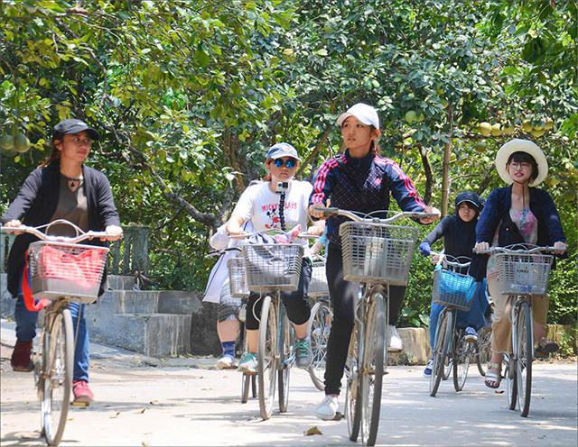 Bảo tồn và khai thác tiềm năng du lịch nhà vườn Huế