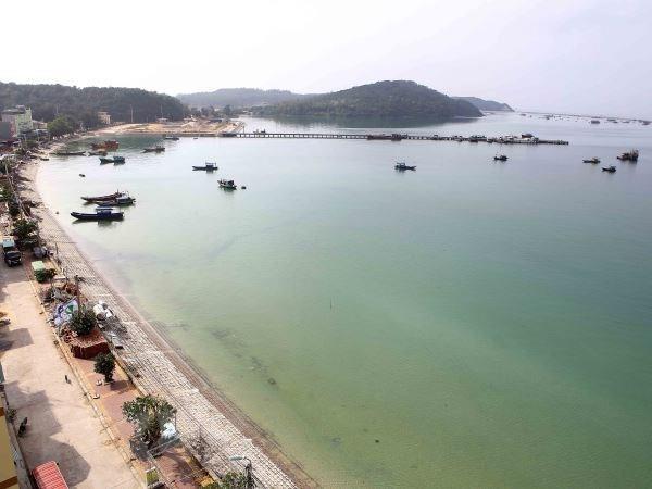 Hỗ trợ giảm giá vé tàu cao tốc cho người dân có hộ khẩu ở Cô Tô (Quảng Ninh)