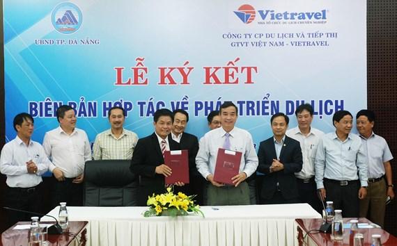 Đà Nẵng ký kết hợp tác phát triển du lịch với Vietravel