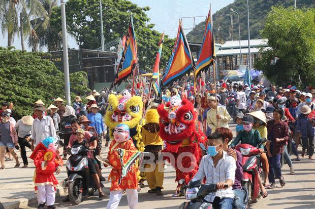 Tưng bừng Lễ hội Cầu ngư cửa biển Đề Gi (Bình Định)