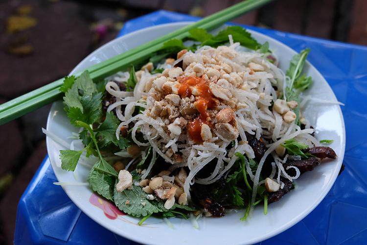 Nộm bò khô, nem cuốn - Món ngon bậc nhất khu phố cổ Hà Nội