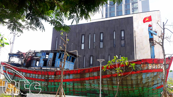 Con tàu ĐN 90152TS được trưng bày tại Đà Nẵng
