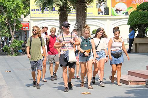 Khánh Hòa: 5 tháng, đón hơn 2,7 triệu lượt khách du lịch
