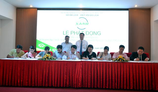Thừa Thiên Huế: Hơn 80 đơn vị ký cam kết chống rác thải nhựa
