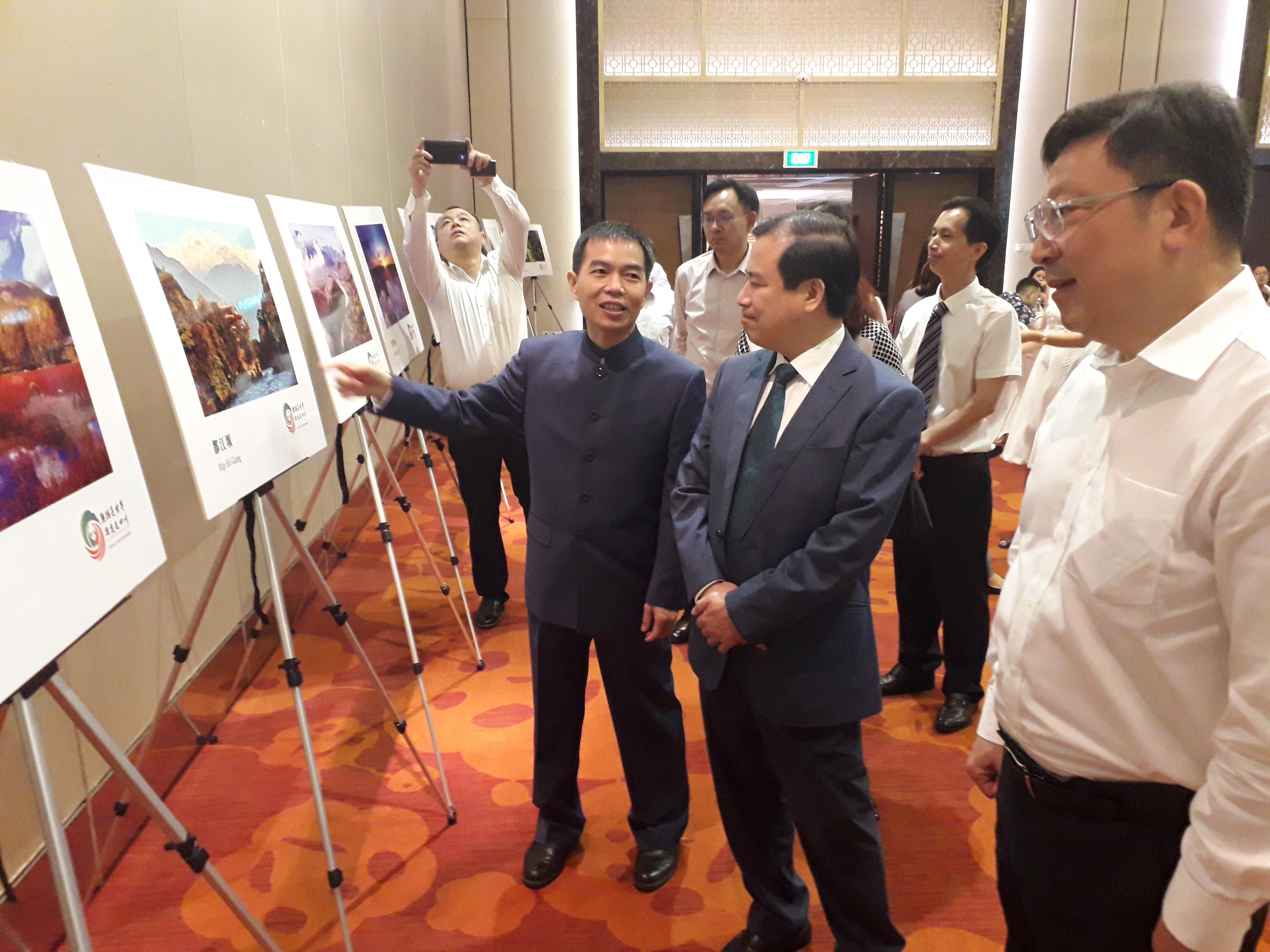 Phó Tổng cục trưởng Hà Văn Siêu tham dự Hội nghị giới thiệu du lịch Thành Đô (Trung Quốc) tại Hà Nội