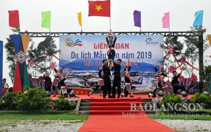 Lạng Sơn: Khai mạc liên hoan du lịch Mẫu Sơn