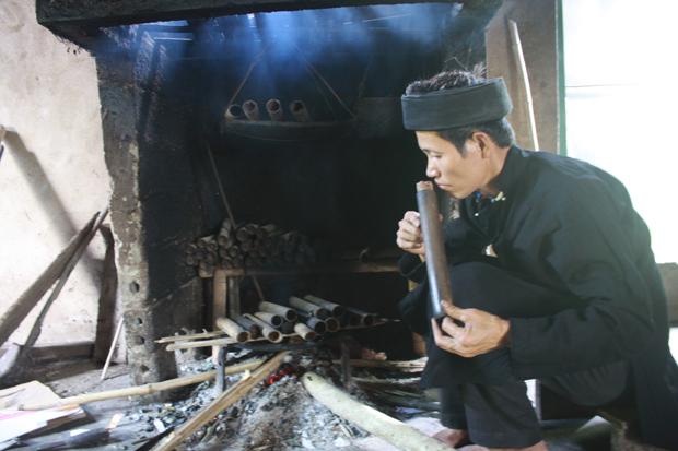 Chè ống lam sản phẩm truyền thống của người Dao