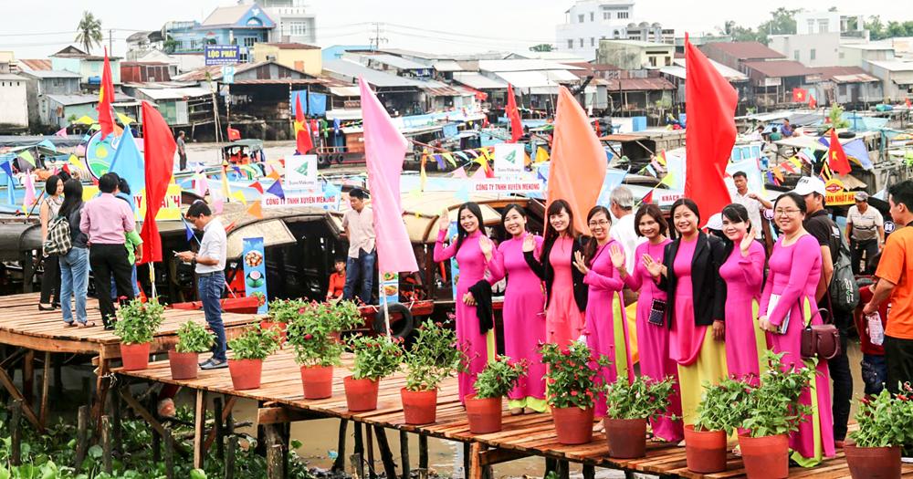 """Ngày hội du lịch """"Văn hóa Chợ nổi Cái Răng"""" năm 2019"""