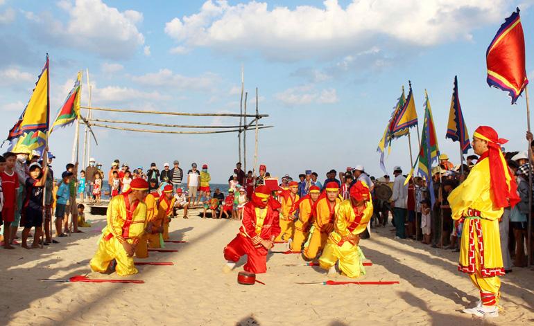 Lễ hội cầu ngư lạch Long Thủy (Tuy Hòa, Phú Yên)