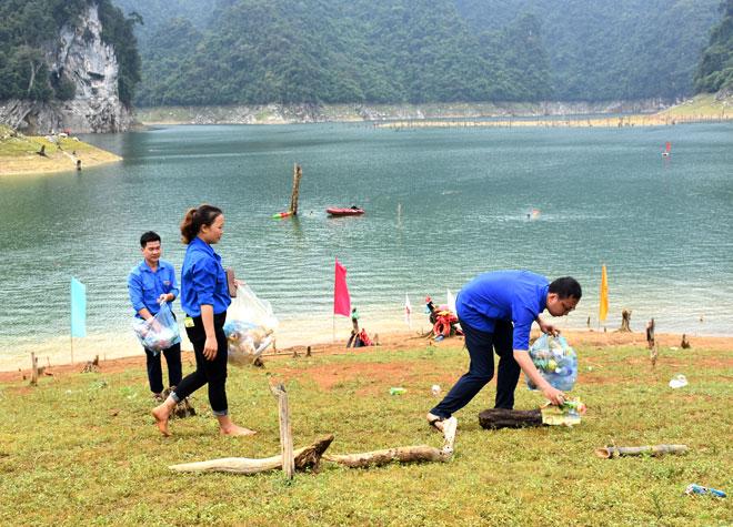 Lâm Bình (Tuyên Quang) phát triển du lịch gắn với bảo vệ môi trường