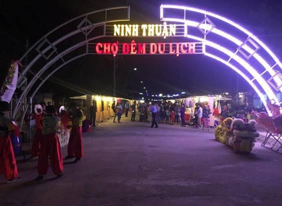 Nhộn nhịp Chợ đêm Ninh Thuận