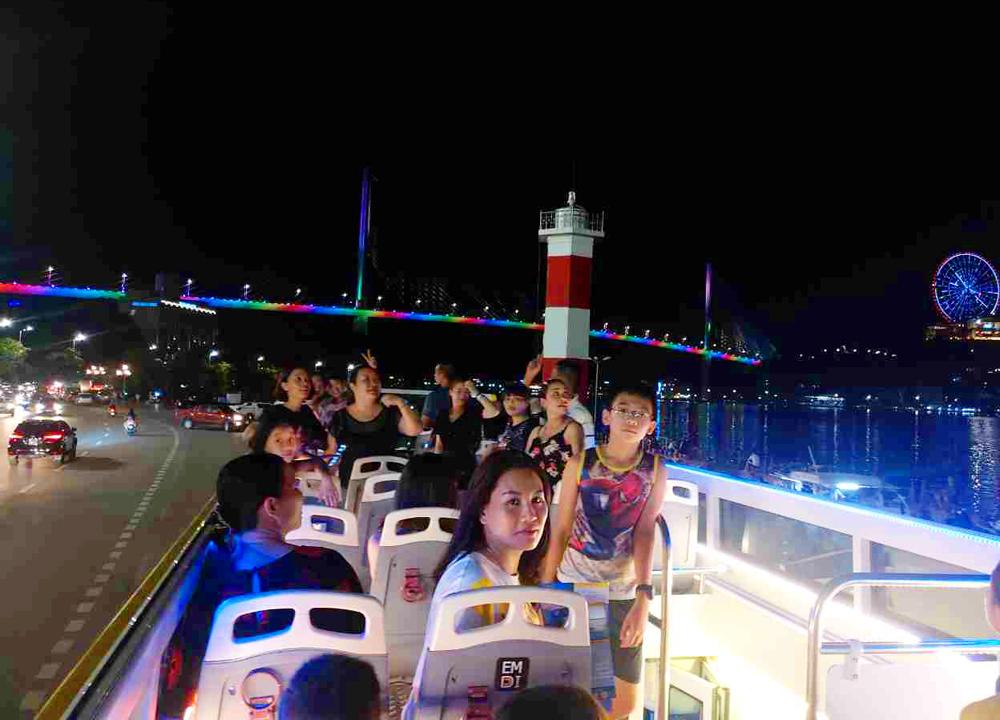 Thú vị Hạ Long City tour