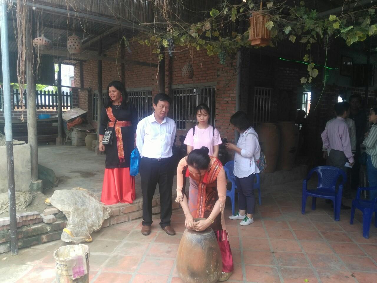 Ninh Thuận: Tổ chức tour thử nghiệm du lịch cộng đồng tại làng gốm Bàu Trúc