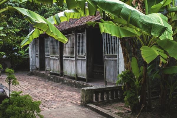 Về Hà Nam tham quan Nhà Bá Kiến ở làng Vũ Đại