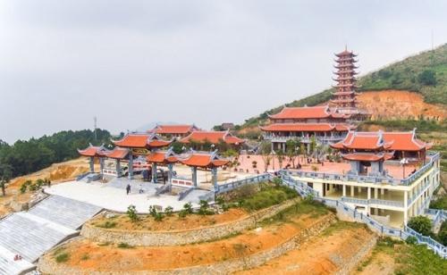 Đại Tuệ – Ngôi chùa nổi tiếng xứ Nghệ nắm giữ nhiều kỉ lục Việt Nam
