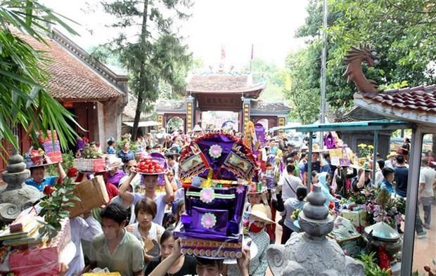 Hàng vạn du khách tham dự lễ hội đền Bảo Hà ở tỉnh Lào Cai
