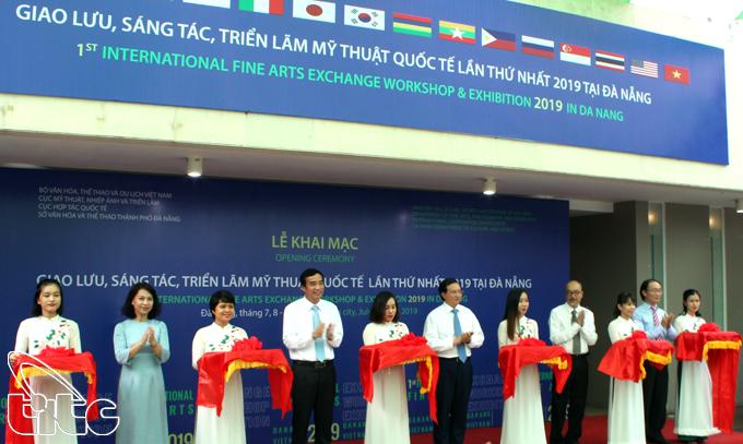 """Khai mạc chương trình """"Giao lưu, sáng tác, triển lãm mỹ thuật quốc tế lần thứ nhất 2019 tại Đà Nẵng"""""""