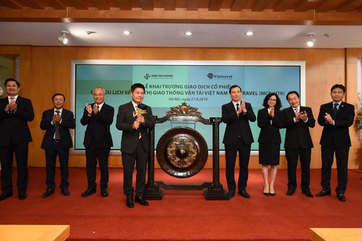 Tổng cục trưởng Nguyễn Trùng Khánh tham dự Lễ khai trương giao dịch cổ phiếu Công ty Vietravel