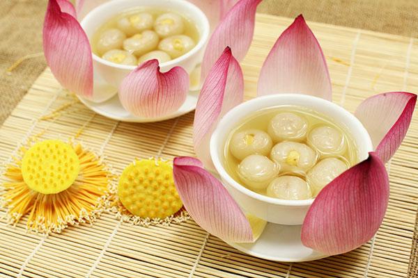 Chè hạt sen long nhãn -  quà Hà Nội buổi giao mùa
