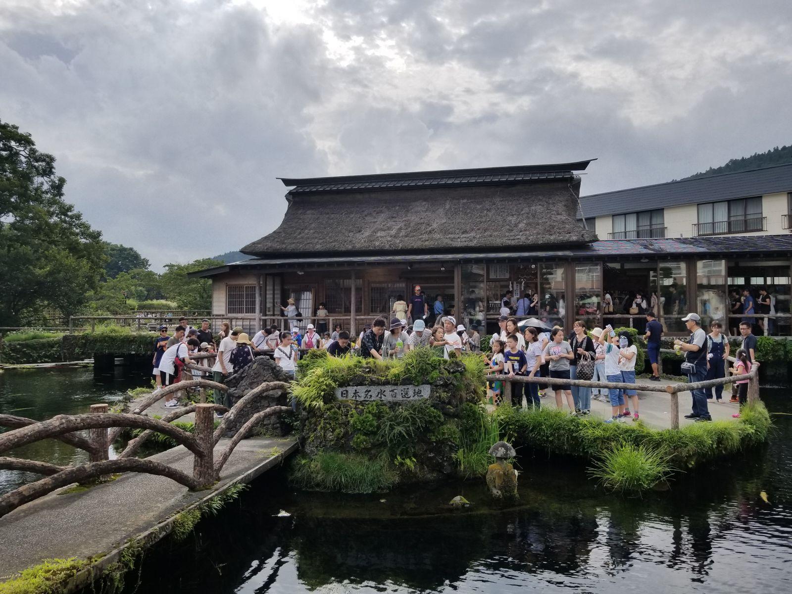 Làng cổ Oshino Hakkai - Nơi lưu giữ nét xưa Nhật Bản