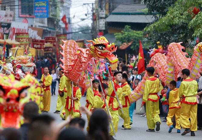 Đặc sắc điệu múa rồng làng Triều Khúc