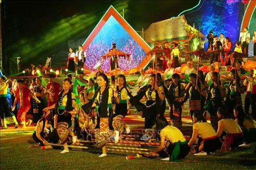 Đêm hội sắc Xuân miền Tây năm 2020 của tỉnh Nghệ An