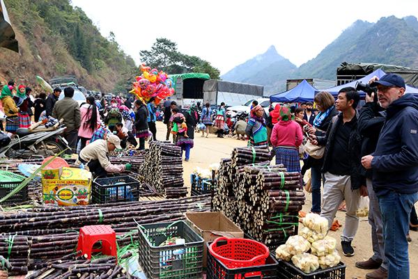 Rộn rã chợ Cán Cấu (Si Ma Cai) phiên cuối năm