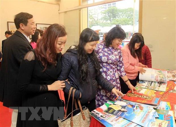 Triển lãm ảnh tư liệu, trưng bày sách, báo Xuân tại Thái Nguyên