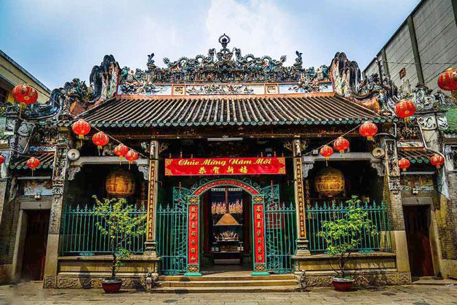 Uy nghiêm chùa Bà Thiên Hậu, TP. Hồ Chí Minh