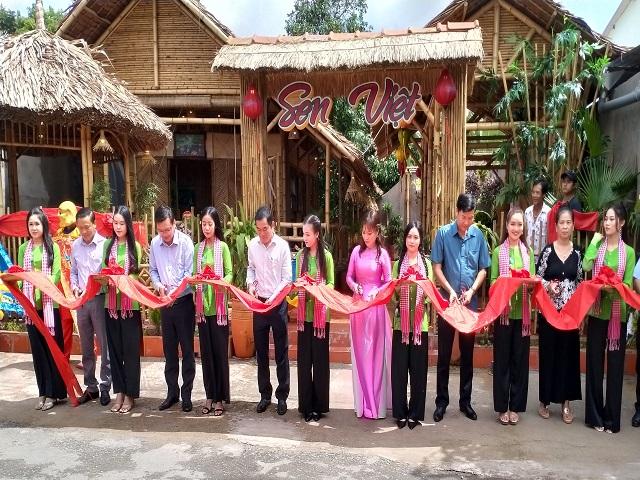 Đồng Tháp: Khai trương điểm du lịch cộng đồng thủ công mỹ nghệ Sen Việt
