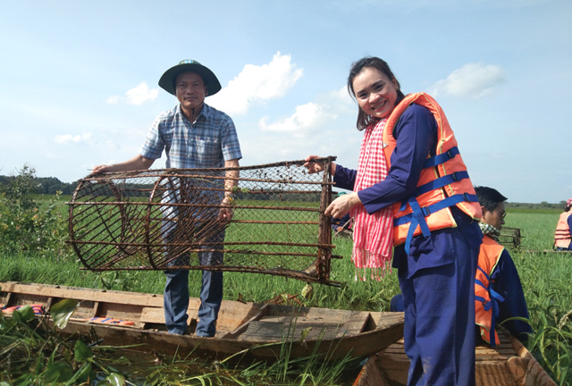Famtrip mùa nước nổi Đồng Tháp