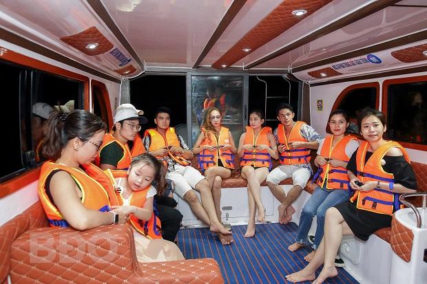 Bình Định: Thêm nhiều trải nghiệm, sản phẩm du lịch biển đảo: Đón khách kể cả ngày mưa