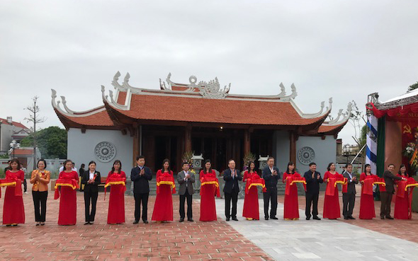 Trao bằng xếp hạng hai di tích lịch sử - văn hóa ở Hưng Yên