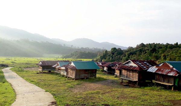 Độc đáo kho lúa và chiếc hòm của người Giẻ Triêng ở Đắk Blô