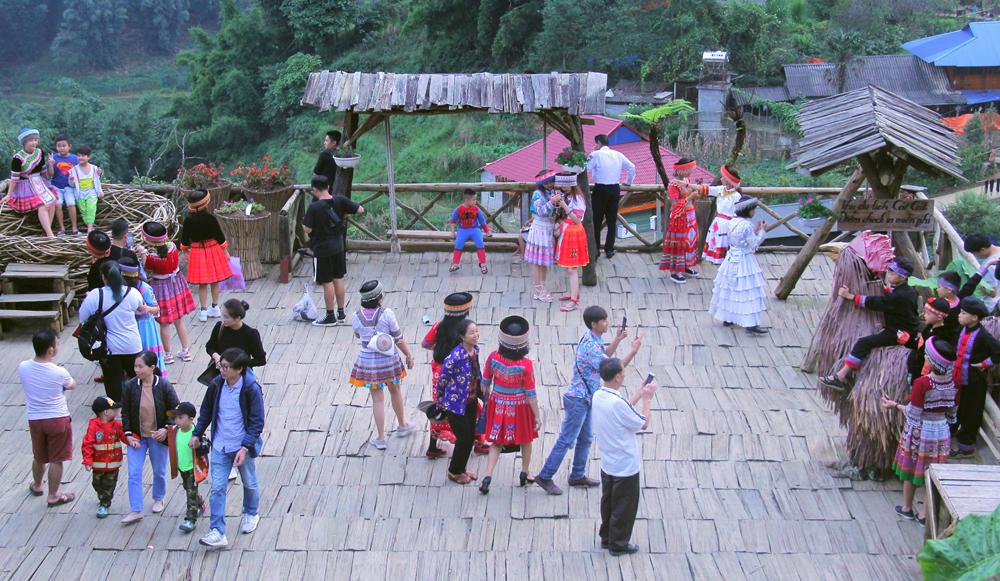 Lào Cai tiếp tục kích cầu tăng trưởng du lịch cuối năm 2020