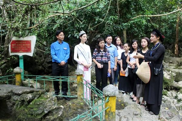 Cao Bằng: Nâng cao chất lượng hướng dẫn viên du lịch