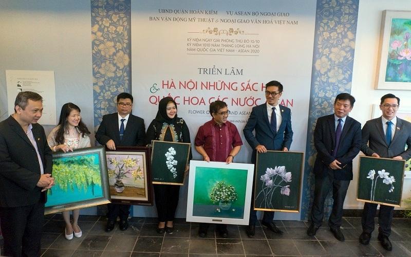 Đặc sắc triển lãm quốc hoa các nước ASEAN