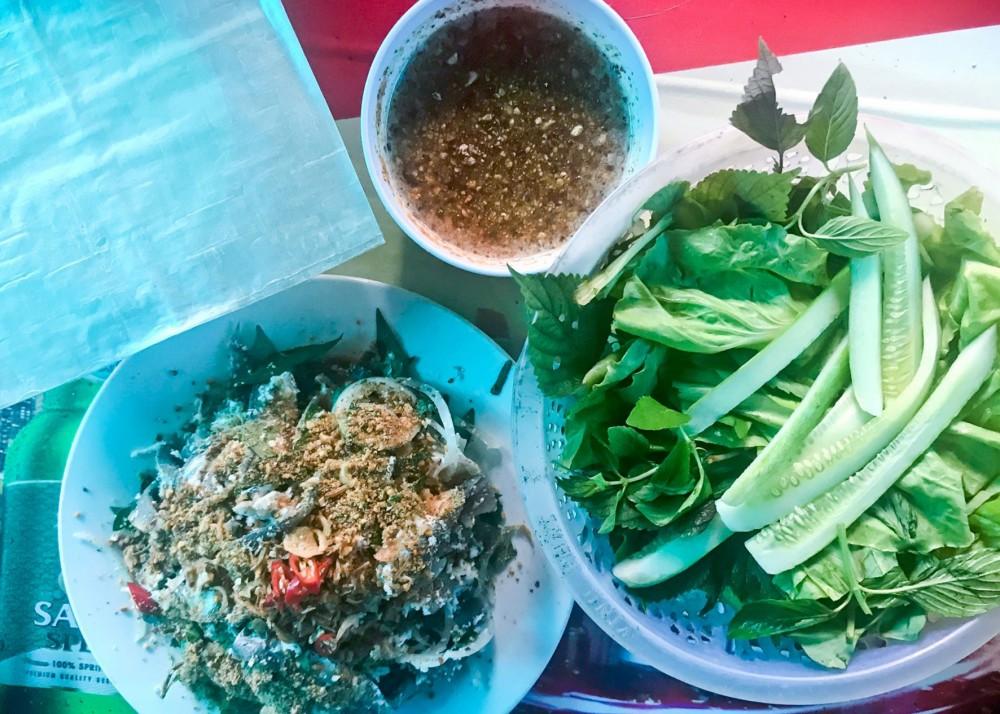Gỏi cá trích - định vị ẩm thực Phú Quốc