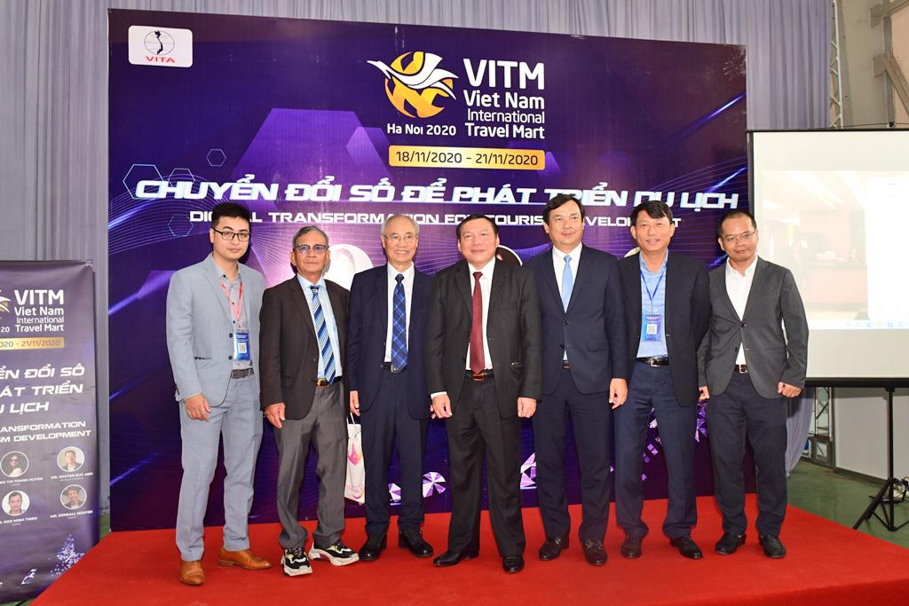 Tổng cục Du lịch giới thiệu ứng dụng Du lịch Việt Nam an toàn tại Hội chợ VITM 2020