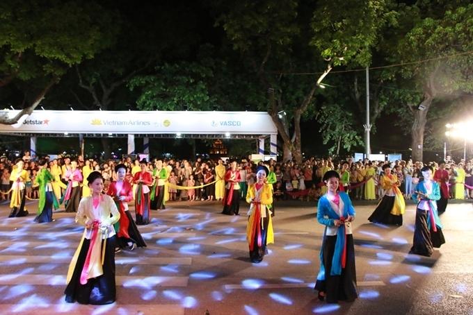 Hà Nội: Nhiều hoạt động hấp dẫn tại Lễ hội văn hóa dân gian