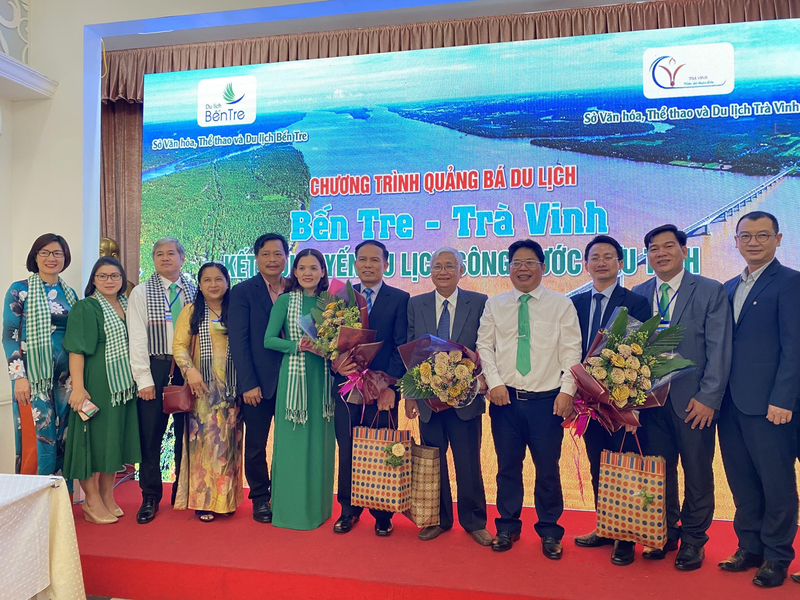 Bến Tre liên kết với Trà Vinh quảng bá du lịch tại Hà Nội