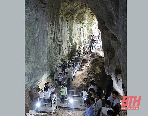 Khám phá hệ thống hang động ở Thạch Thành
